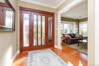 Photo 3: 3664 Seashell Place in VICTORIA: Co Royal Bay Single Family Detached for sale (Colwood)  : MLS®# 397472