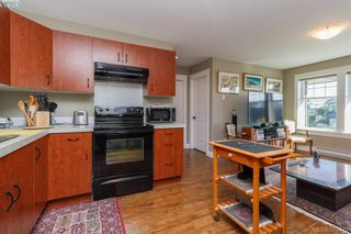 Photo 17: 3664 Seashell Place in VICTORIA: Co Royal Bay Single Family Detached for sale (Colwood)  : MLS®# 397472