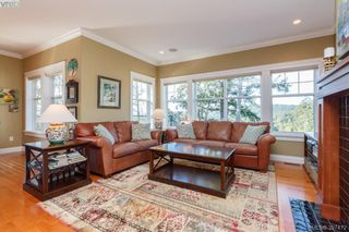 Photo 10: 3664 Seashell Place in VICTORIA: Co Royal Bay Single Family Detached for sale (Colwood)  : MLS®# 397472