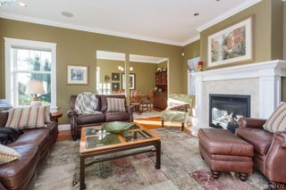 Photo 4: 3664 Seashell Place in VICTORIA: Co Royal Bay Single Family Detached for sale (Colwood)  : MLS®# 397472