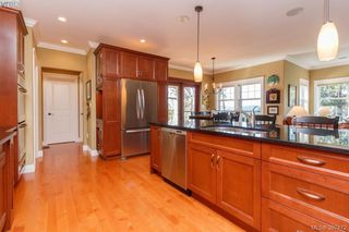 Photo 8: 3664 Seashell Place in VICTORIA: Co Royal Bay Single Family Detached for sale (Colwood)  : MLS®# 397472