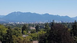 "Photo 2: 10 5389 VINE Street in Vancouver: Kerrisdale Condo for sale in ""Chelsea Court"" (Vancouver West)  : MLS®# R2298067"