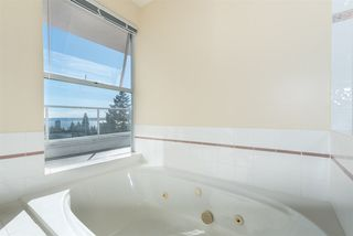 "Photo 16: 2125 LAWSON Avenue in West Vancouver: Dundarave House for sale in ""Dundarave"" : MLS®# R2329676"