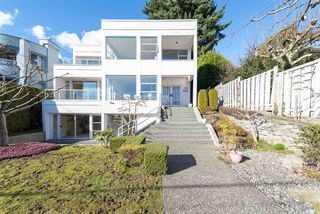 "Photo 2: 2125 LAWSON Avenue in West Vancouver: Dundarave House for sale in ""Dundarave"" : MLS®# R2329676"