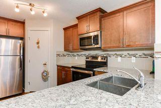 Photo 2: 17304 73 Street in Edmonton: Zone 28 House Half Duplex for sale : MLS®# E4141264