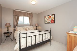 """Photo 12: 21036 86A Avenue in Langley: Walnut Grove House for sale in """"Manor Park"""" : MLS®# R2336504"""