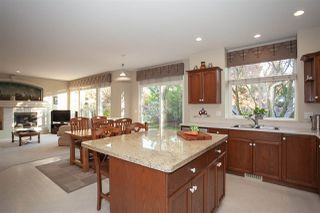 """Photo 7: 21036 86A Avenue in Langley: Walnut Grove House for sale in """"Manor Park"""" : MLS®# R2336504"""