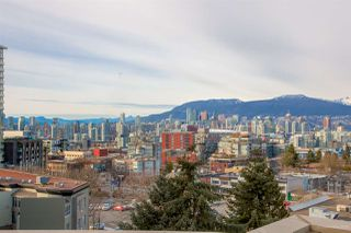 "Photo 5: 605 2635 PRINCE EDWARD Street in Vancouver: Mount Pleasant VE Condo for sale in ""SOMA LOFTS"" (Vancouver East)  : MLS®# R2345121"