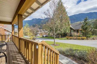 """Photo 2: 1880 HUCKLEBERRY Bend in Cultus Lake: Lindell Beach House for sale in """"THE COTTAGES AT CULTUS LAKE"""" : MLS®# R2356216"""