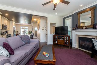 """Photo 6: 34 45290 SOOWAHLIE Crescent in Sardis: Vedder S Watson-Promontory Townhouse for sale in """"Park Gate Townhomes"""" : MLS®# R2361570"""