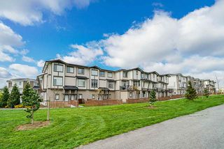 "Photo 1: 86 19433 68 Avenue in Langley: Clayton Townhouse for sale in ""THE GROVE"" (Cloverdale)  : MLS®# R2361837"