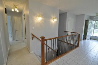 Photo 3: 1007 YOUVILLE Drive W in Edmonton: Zone 29 House Half Duplex for sale : MLS®# E4162817
