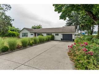 Main Photo: 703 CLEARBROOK Road in Abbotsford: Poplar House for sale : MLS®# R2387307