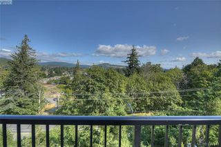 Photo 7: 930 Peace Keeping Crescent in VICTORIA: La Walfred Single Family Detached for sale (Langford)  : MLS®# 413371
