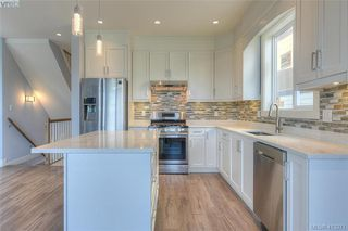 Photo 10: 930 Peace Keeping Crescent in VICTORIA: La Walfred Single Family Detached for sale (Langford)  : MLS®# 413371