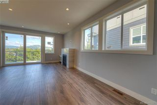 Photo 2: 930 Peace Keeping Crescent in VICTORIA: La Walfred Single Family Detached for sale (Langford)  : MLS®# 413371