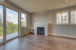 Photo 3: 930 Peace Keeping Crescent in VICTORIA: La Walfred Single Family Detached for sale (Langford)  : MLS®# 413371