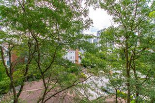 """Photo 9: 405 2963 BURLINGTON Drive in Coquitlam: North Coquitlam Condo for sale in """"BURLINGTON ESTATES"""" : MLS®# R2393460"""