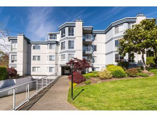 "Photo 32: 307 15941 MARINE Drive: White Rock Condo for sale in ""THE HERITAGE"" (South Surrey White Rock)  : MLS®# R2408083"