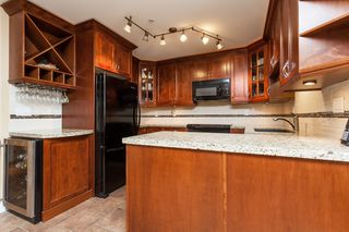 "Photo 17: 307 15941 MARINE Drive: White Rock Condo for sale in ""THE HERITAGE"" (South Surrey White Rock)  : MLS®# R2408083"