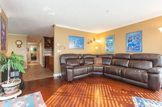 "Photo 9: 307 15941 MARINE Drive: White Rock Condo for sale in ""THE HERITAGE"" (South Surrey White Rock)  : MLS®# R2408083"