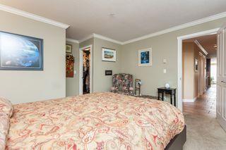 "Photo 24: 307 15941 MARINE Drive: White Rock Condo for sale in ""THE HERITAGE"" (South Surrey White Rock)  : MLS®# R2408083"