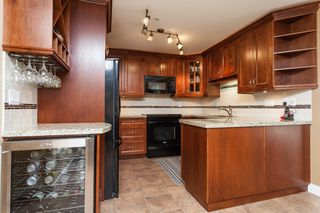 "Photo 15: 307 15941 MARINE Drive: White Rock Condo for sale in ""THE HERITAGE"" (South Surrey White Rock)  : MLS®# R2408083"