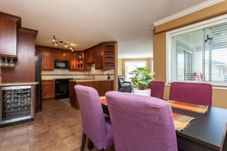 "Photo 14: 307 15941 MARINE Drive: White Rock Condo for sale in ""THE HERITAGE"" (South Surrey White Rock)  : MLS®# R2408083"