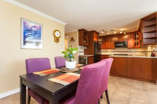 "Photo 13: 307 15941 MARINE Drive: White Rock Condo for sale in ""THE HERITAGE"" (South Surrey White Rock)  : MLS®# R2408083"