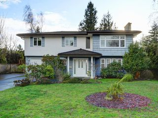 Photo 1: 1907 High Park Place in VICTORIA: SE Gordon Head Single Family Detached for sale (Saanich East)  : MLS®# 420398