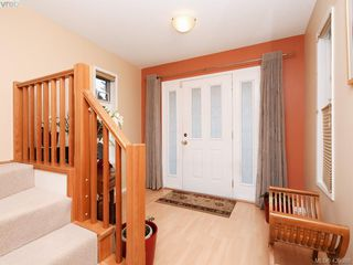 Photo 2: 1907 High Park Place in VICTORIA: SE Gordon Head Single Family Detached for sale (Saanich East)  : MLS®# 420398