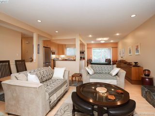 Photo 5: 1907 High Park Pl in VICTORIA: SE Gordon Head Single Family Detached for sale (Saanich East)  : MLS®# 832024