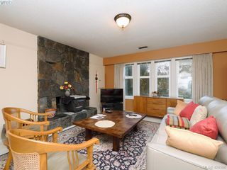 Photo 4: 1907 High Park Place in VICTORIA: SE Gordon Head Single Family Detached for sale (Saanich East)  : MLS®# 420398