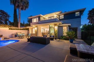 Photo 4: PACIFIC BEACH House for sale : 5 bedrooms : 1104 Agate St in San Diego