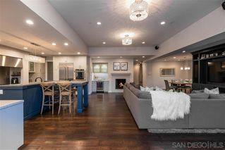 Photo 7: PACIFIC BEACH House for sale : 5 bedrooms : 1104 Agate St in San Diego