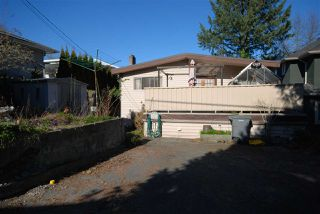 Photo 2: 2706 CHEYENNE Avenue in Vancouver: Collingwood VE House for sale (Vancouver East)  : MLS®# R2445112