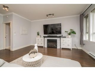 Photo 7: 101 7088 191 Street in cloverdale: Clayton Townhouse for sale (Cloverdale)  : MLS®# R2455841