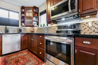 Photo 3: 2203 ALDER Street in Vancouver: Fairview VW Townhouse for sale (Vancouver West)  : MLS®# R2508720