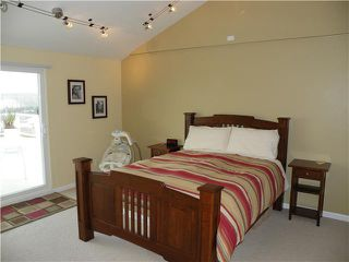 Photo 11: DEL CERRO House for sale : 4 bedrooms : 6176 Calle Empinada in San Diego