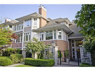"""Photo 1: 218 3188 W 41ST Avenue in Vancouver: Kerrisdale Condo for sale in """"Lanesborough"""" (Vancouver West)  : MLS®# V906139"""
