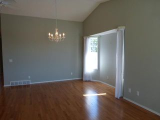 Photo 5: 205 ARBOUR CLIFF Close NW in CALGARY: Arbour Lake Residential Attached for sale (Calgary)  : MLS®# C3614284