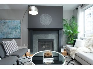 "Photo 8: PH17 511 W 7TH Avenue in Vancouver: Fairview VW Condo for sale in ""BEVERLY GARDENS"" (Vancouver West)  : MLS®# R2001125"