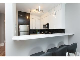 "Photo 4: PH17 511 W 7TH Avenue in Vancouver: Fairview VW Condo for sale in ""BEVERLY GARDENS"" (Vancouver West)  : MLS®# R2001125"