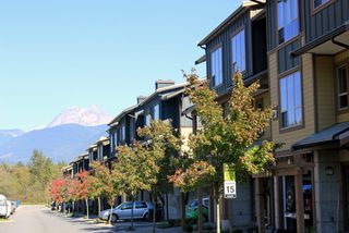 """Photo 2: 38332 EAGLEWIND Boulevard in Squamish: Downtown SQ Townhouse for sale in """"Eaglewind"""" : MLS®# R2005164"""