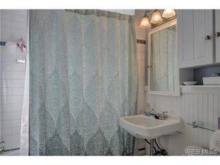 Photo 8: 2857 Shakespeare Street in VICTORIA: Vi Oaklands Single Family Detached for sale (Victoria)  : MLS®# 361887