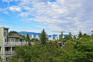 "Photo 2: 309 1950 W 8TH Avenue in Vancouver: Kitsilano Condo for sale in ""MARQUIS MANOR"" (Vancouver West)  : MLS®# R2069129"