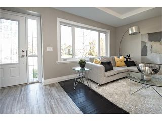 Photo 2: 4319 5 Avenue SW in Calgary: Wildwood House for sale : MLS®# C4066170