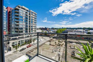 "Photo 11: 703 38 W 1ST Avenue in Vancouver: False Creek Condo for sale in ""THE ONE BY PINNACLE"" (Vancouver West)  : MLS®# R2091565"
