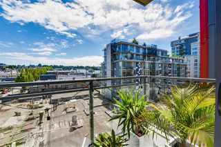 "Photo 10: 703 38 W 1ST Avenue in Vancouver: False Creek Condo for sale in ""THE ONE BY PINNACLE"" (Vancouver West)  : MLS®# R2091565"