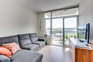 "Photo 7: 703 38 W 1ST Avenue in Vancouver: False Creek Condo for sale in ""THE ONE BY PINNACLE"" (Vancouver West)  : MLS®# R2091565"